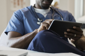 Most U.S. adults seek healthcare info on mobile